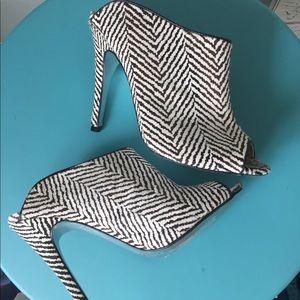 Kristin cavallari heeled slides